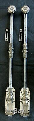 Grande paire de targettes, verrous bas, crémones en bronze argenté FT Fontaine