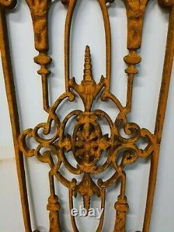 Grille de porte en fonte / 1 m de haut X 34 cms de large