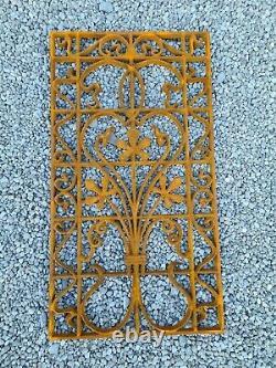Grille de porte en fonte / 49 cms x 90 cms