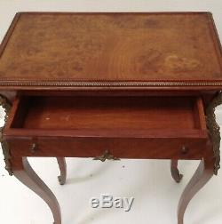 Guéridon à tiroir style Louis XV