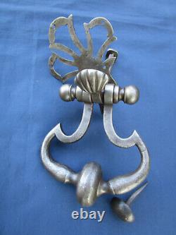 Heurtoir marteau de porte d'entrée Anneau rosace ouvragée fer forgé ancien 12 cm