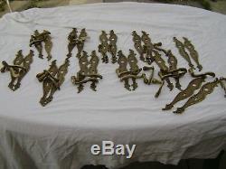 LOT 22 Anciennes Poignées de Portes Plaques Bronze BAROQUE 7 kg  bien lire