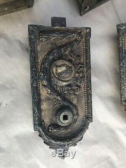 Lot De BELLES SERRURES ANCIENNE DÉCORÉE GCHE EN BRONZE 19E CHTEAU