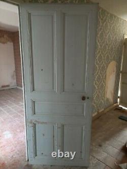 Lot de 2 portes anciennes complètes en bois avec poignées bois et entourage