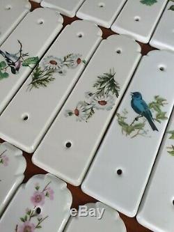 Lot de 42 anciennes plaques de propreté de porte en porcelaine de Paris anciens