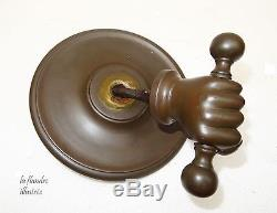 Magnifique grosse poignée de porte d'entrée à la main à platines en bronze 18ème