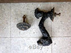 Marteau de porte heurtoir ancien poisson dauphin fer forgé fonte peint noir