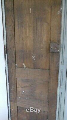 Paire De Grandes Doubles Portes Placard De Boiserie En Chêne Peint, époque XVIII