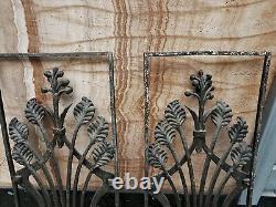 Paire d'anciens panneaux Art nouveau grilles de porte en fonte
