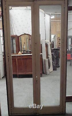 Paire de fenêtres anciennes / Portes anciennes / Materiaux anciens