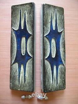 Paire de poignée de porte de magasin en alu et résine de 35,3 cm des années 1970