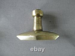 Paire de poignées de porte et 2 plaques de propreté bronze parure chateau