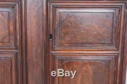 Paire de porte d'armoire en noyer époque XVIIIème