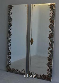 Paire de porte d'armoire en verre églomisé avec fronton style 1940