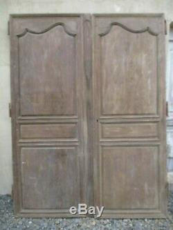 Paire de porte de placard de manoir anciennes en chêne anciennes
