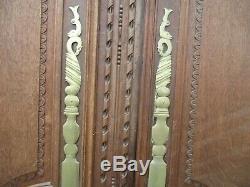 Paire de portes en chêne ancienne de placard sculptée outil jardinage de mariage