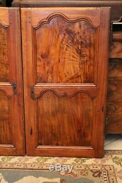 Paire de portes placard Louis XV en noyer massif d'époque 19e