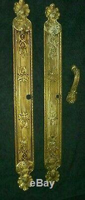 Plaques de propreté avec poignée porte marque R. I. V. Louis XVI en Bronze 2.3 kg