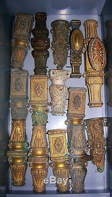 Poignées elements de cremones en bronze fenetre deco chateau maison maitre
