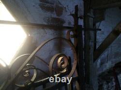 Portail grille ancien fer forgé poinçonner fait main forgeron livraison possible