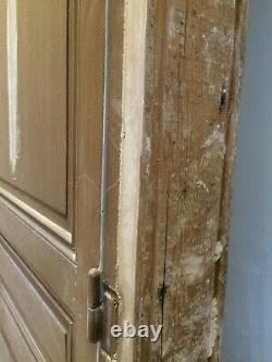 Porte ancienne en chêne moulurée en très bon état