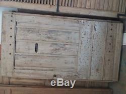 Porte d'entrée ancienne decapée