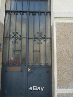 Porte d'entrée de maison en fer forgé d'époque années 30
