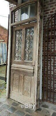 Porte d'entrée en chêne avec son bâti