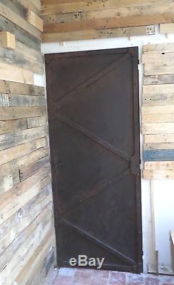 Porte d intérieur habillée et patinée fer rouillé déco industrielle métallique