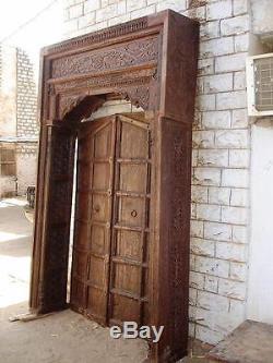Porte indien typique dans des couleurs vives