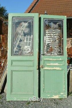 Portes de séparation avec des verres gravés en sapin