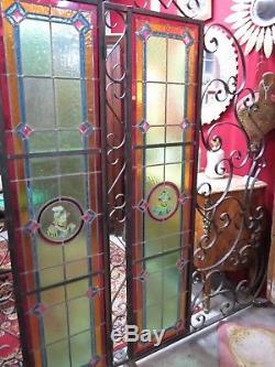 Portes / grilles de séparation en fer forgé avec 4 vitraux XIX ème, travail 1970