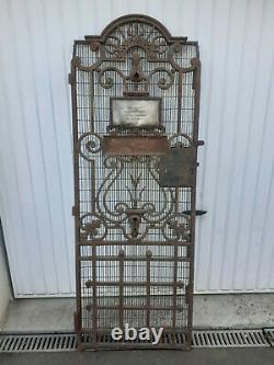 Rare Ancienne Porte Ascenseur En Fonte. Paris. 20 Eme. Possibilite 2 Identique