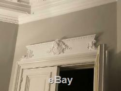 Rare. Très grand fronton, dessus de porte, style XVIIIe. L. 160 cm
