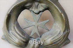 Rare heurtoir en bronze à décor de l'emblême de l'ordre de Malte
