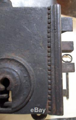 Serrure Chateau monumentale 4,4 kg avec ses 2 clés qui fonctionne