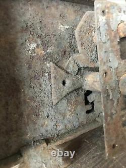 Serrure ancienne Xvlllem Châteaux