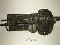 Serrure ancienne en fer forgé à platine (XVIIIème siècle) sans clé