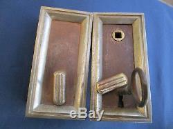 Serrure clef gâche fer décor argent ancienne porte gauche pour carré de 6