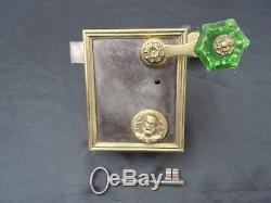 Serrure de porte fer bronze représentant St Joseph d'époque 19ème serrure eglise
