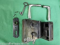 Serrure gâche 1 clef fer VGB à verrouillage 2 poignées chromé ancien porte