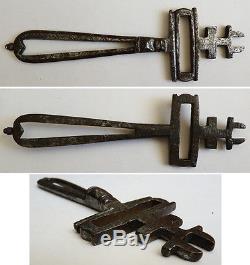 Superbe ancienne clé clef de cadenas en fer forgé 18e siècle key
