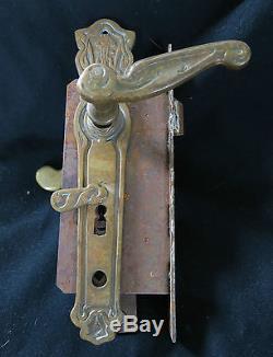 Superbe poignée de porte ancienne, art-nouveau, en bronze, signée & datée 1914