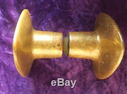 Superbe poignée de porte ancienne en bronze, typique années 70 door handle