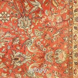 Tapis d'orient, décor oiseaux et floral, couleur dominante bleu. XX siècle