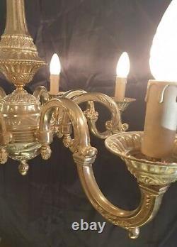 Très Beau Lustre Bronze Où Laiton A 8 Lumières