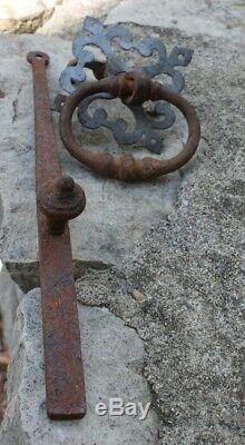 Très ancien marteau ou heurtoir de porte loquet targette verrou serrure