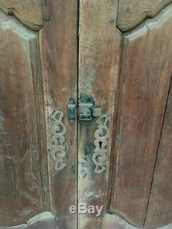 Très anciennes portes d'armoire en chêne, pour placard