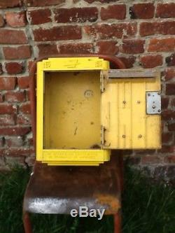 VINTAGE jolie boite aux lettres PTT La Poste pour loft déco 1962 Dejoie Nantes